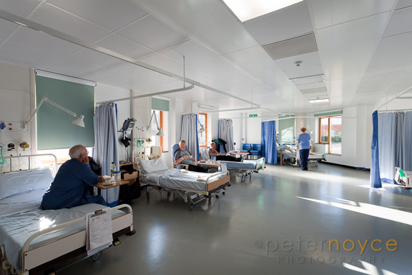 http://peternoyce.com/blog/wp-content/uploads/2015/04/pn20101213-0020-small-ward-at-AMU-Acute-Medical-Unit-Chichester-Hospital.jpg